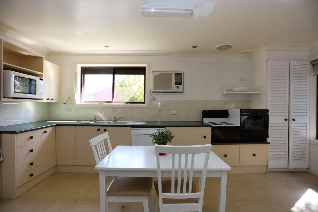 16 Northcott Drive, West Bathurst NSW 2795, Image 2