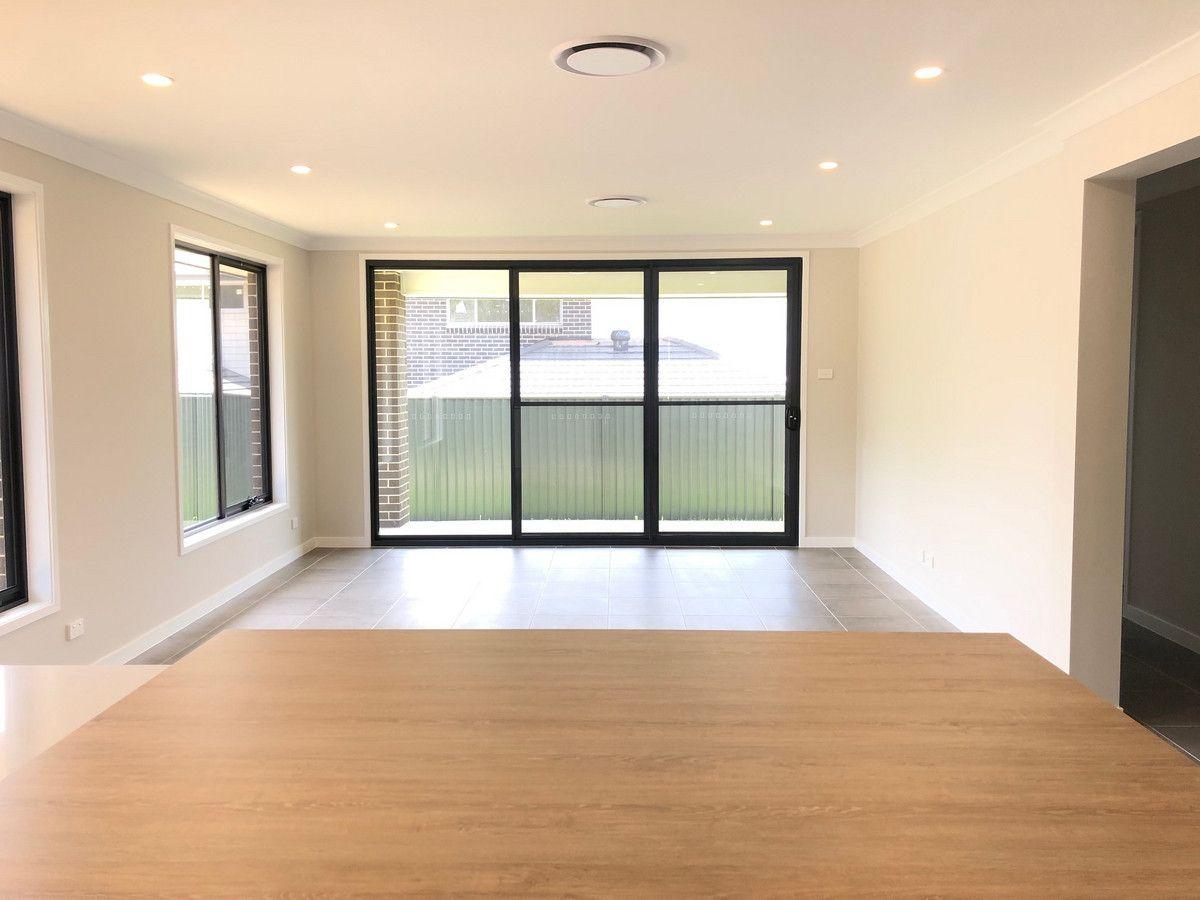 11 Tedbury Road, Jordan Springs NSW 2747, Image 2