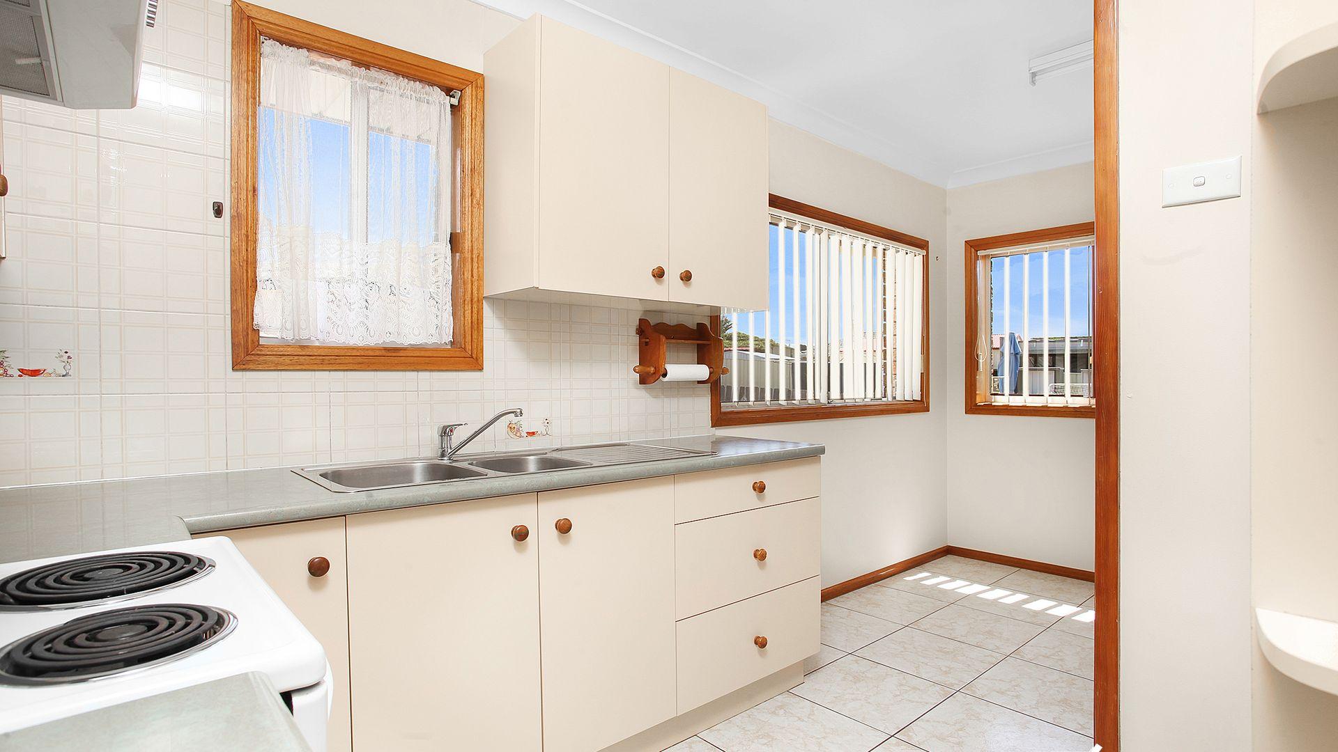 6 Barnes Street, Warilla NSW 2528, Image 1