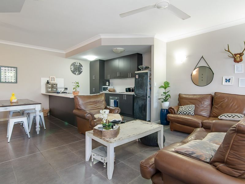 2/1766 Captain Cook Hwy, Clifton Beach QLD 4879, Image 2