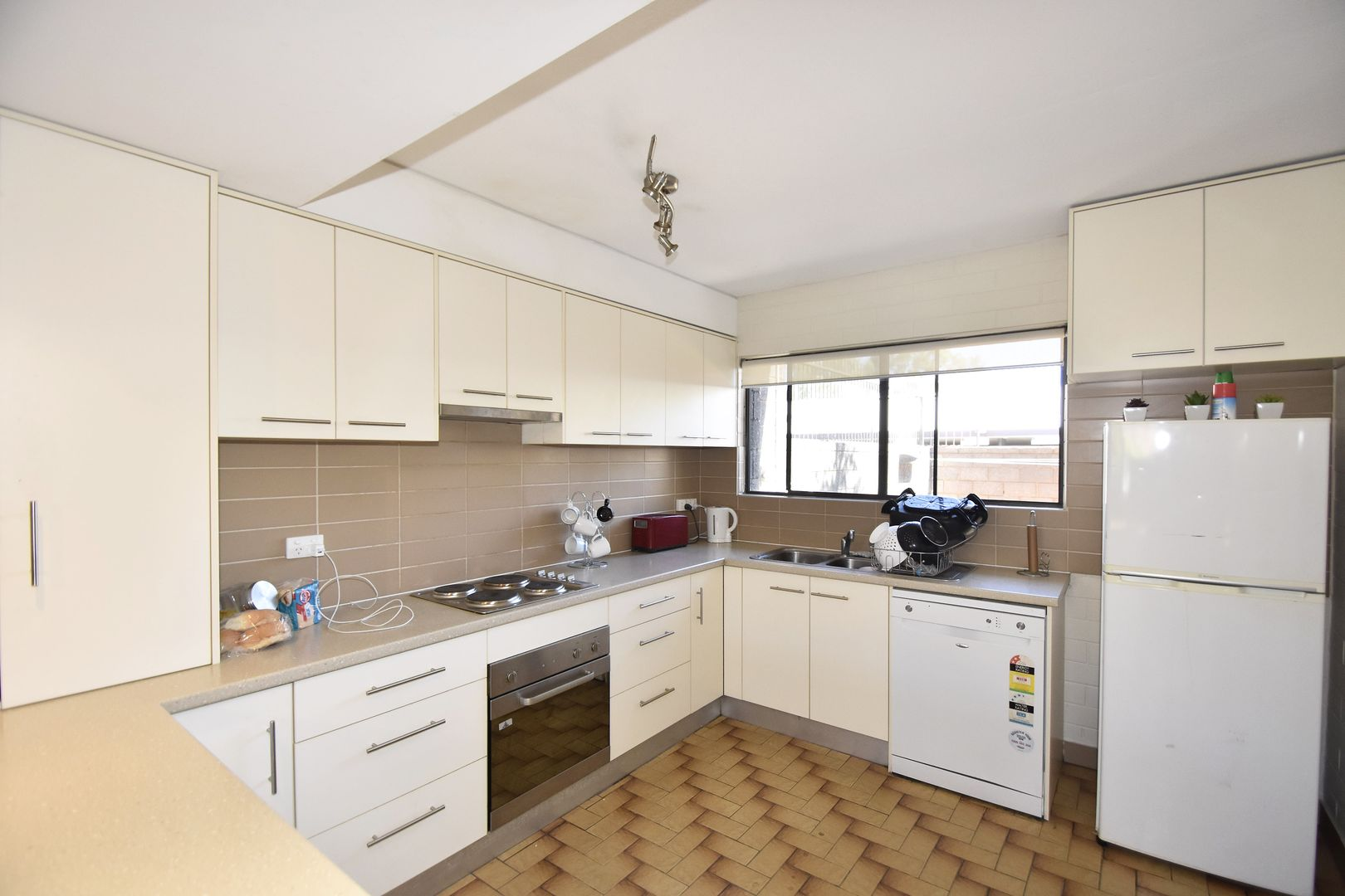 9 15 Leichhardt Terrace Alice Springs Nt 0870 Townhouse For Sale