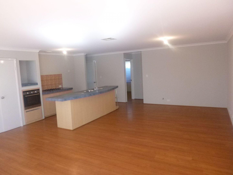 32 Kalyeeda Terrace, Ellenbrook WA 6069, Image 2