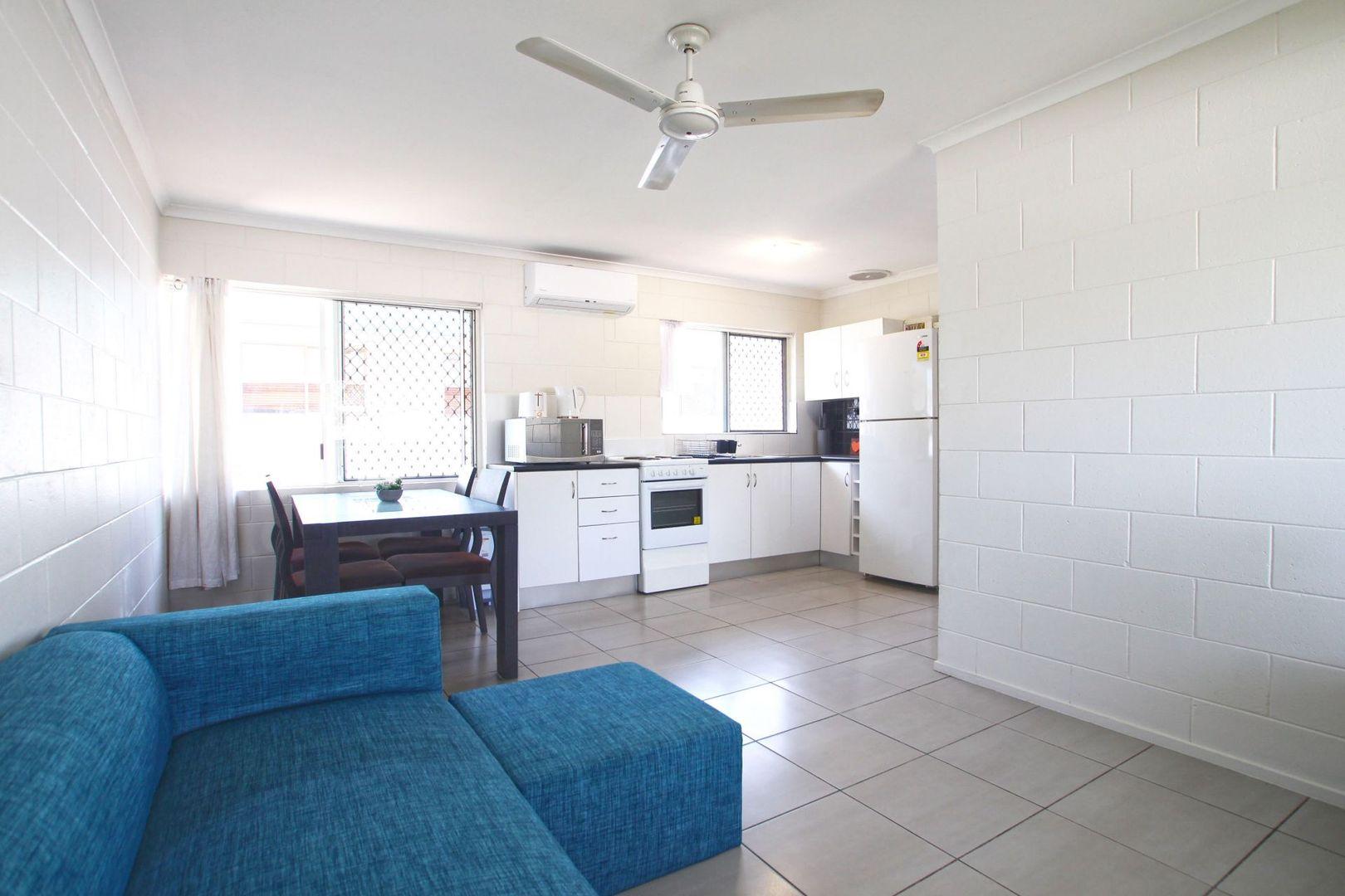 8/98 PEASE, Manunda QLD 4870, Image 2