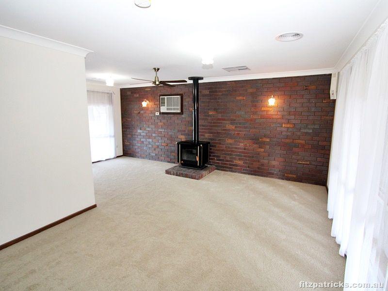 34 Incarnie Crescent, Wagga Wagga NSW 2650, Image 2
