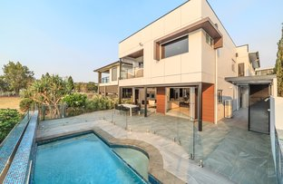 Picture of 15 Waterline Crescent, Bulimba QLD 4171