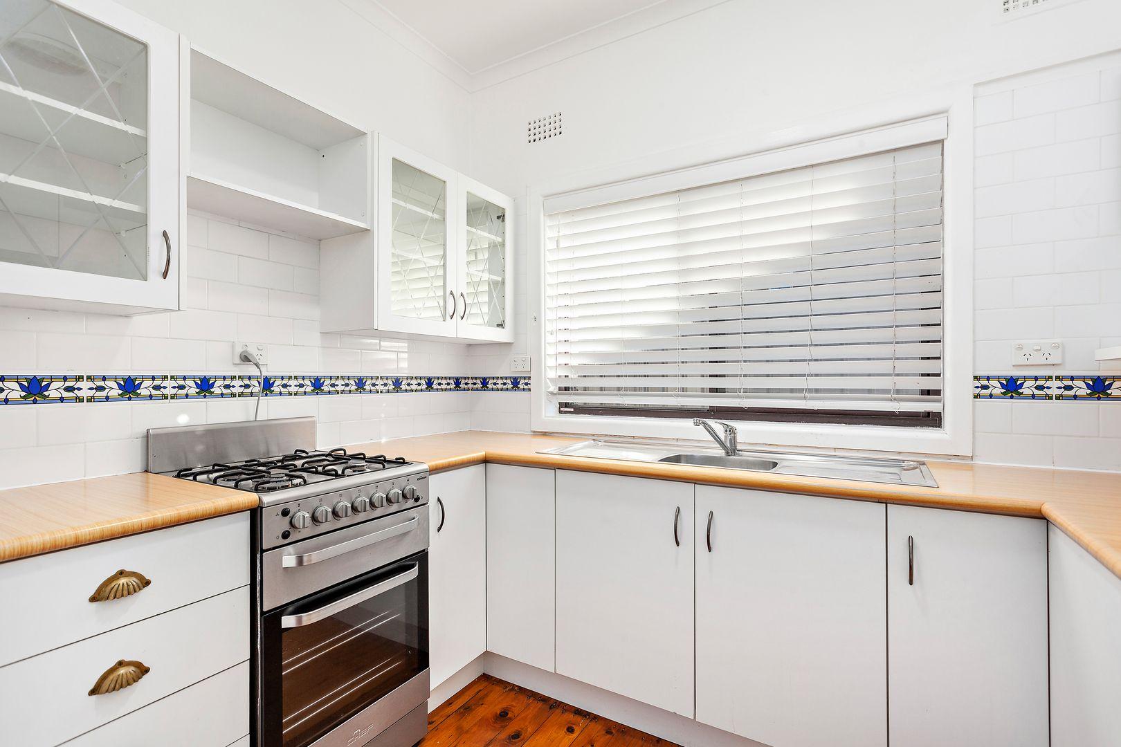 192 Flagstaff Road, Lake Heights NSW 2502, Image 2