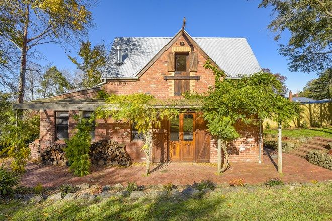 Picture of 702 Mount Macedon Road, MOUNT MACEDON VIC 3441