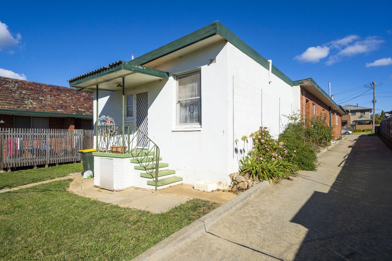 2/9 Gerald Street, Queanbeyan NSW 2620, Image 0