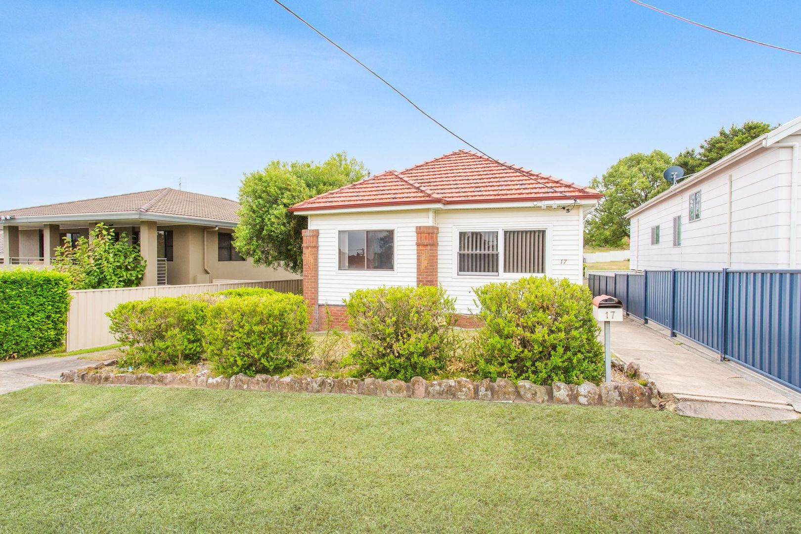 17 Eighth Street, Speers Point NSW 2284, Image 0