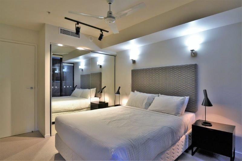 Fully Furnished 1 Bedroom Apar 9 Edmondstone Street South Brisbane Qld 4101 Apartment For Rent 440 Domain