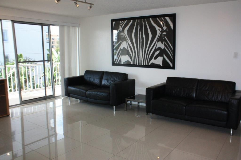 7/28 Riverview Parade, Surfers Paradise QLD 4217, Image 2