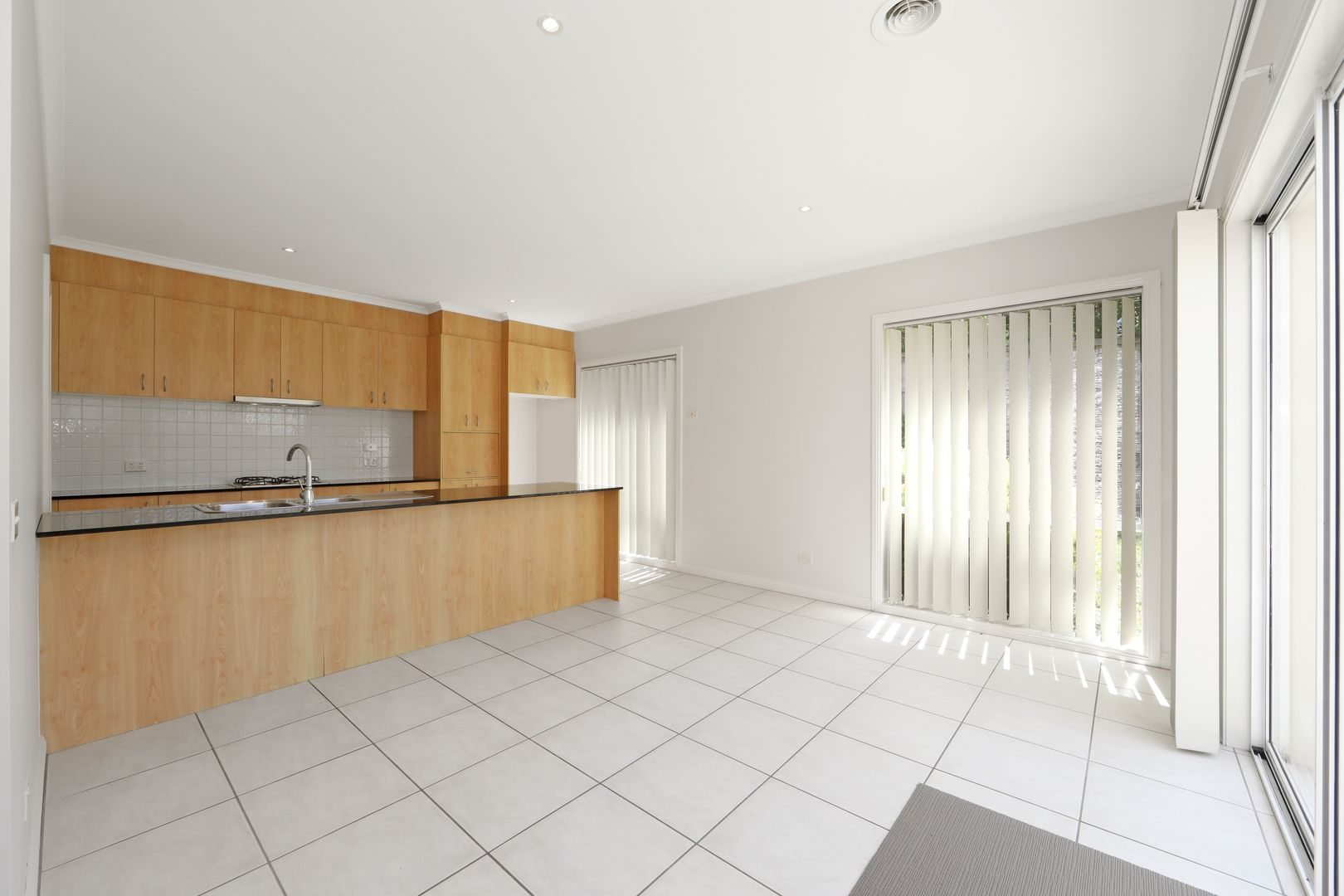 13 Sovereign Manors Crescent, Rowville VIC 3178, Image 2