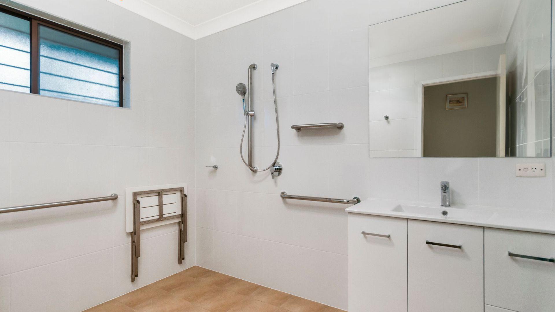 23 Pirrie Street, The Gap QLD 4061, Image 2