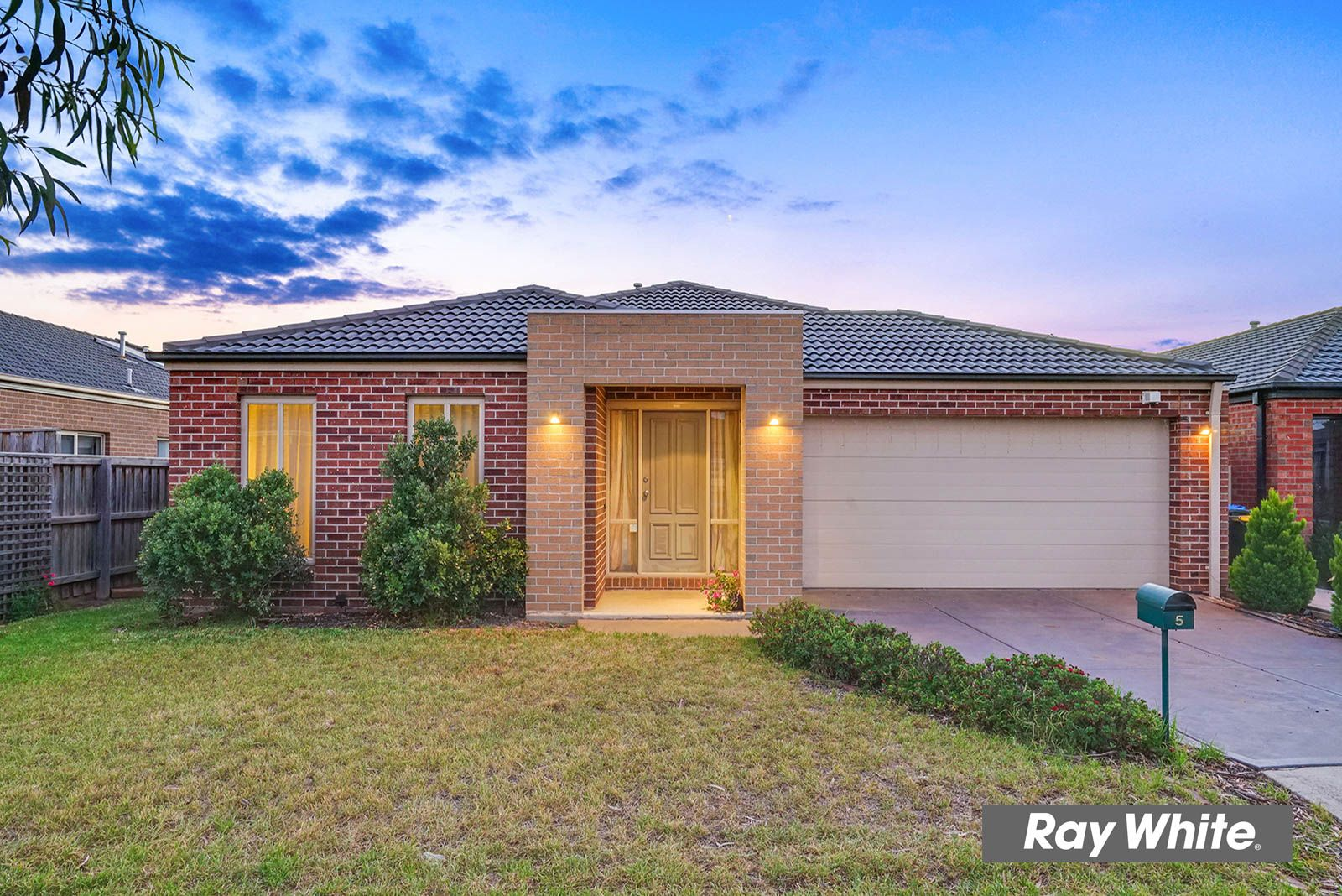 5 Sinclair Crescent, Tarneit VIC 3029, Image 0