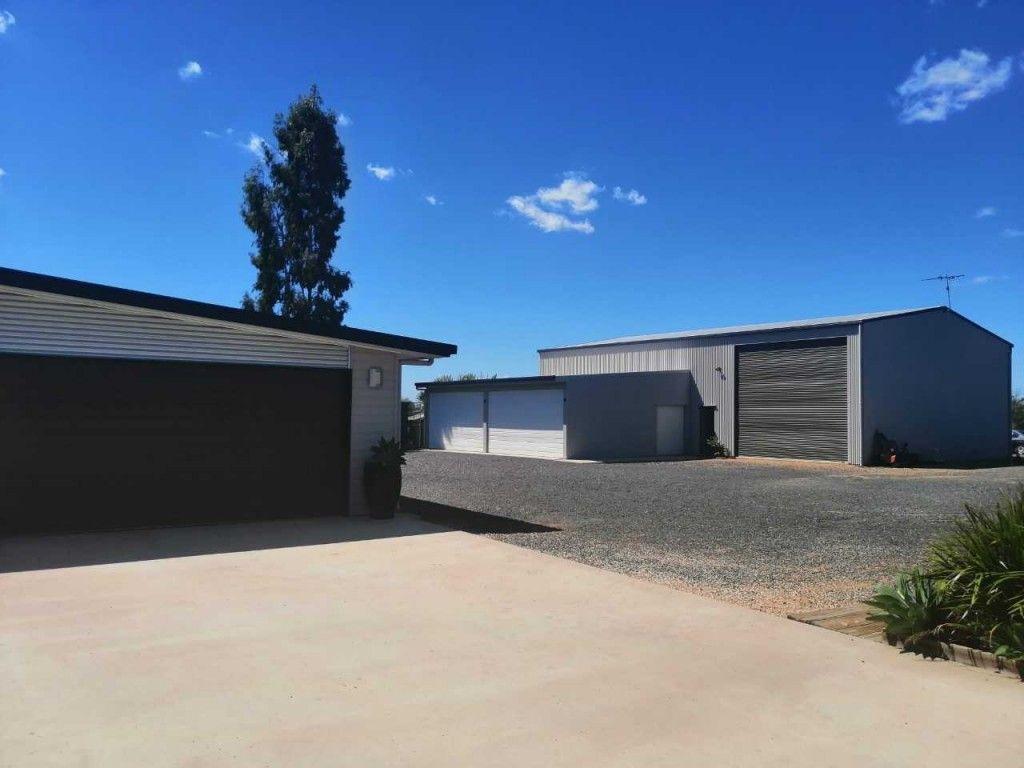 14 Edgewood Drive, Emerald QLD 4720, Image 2