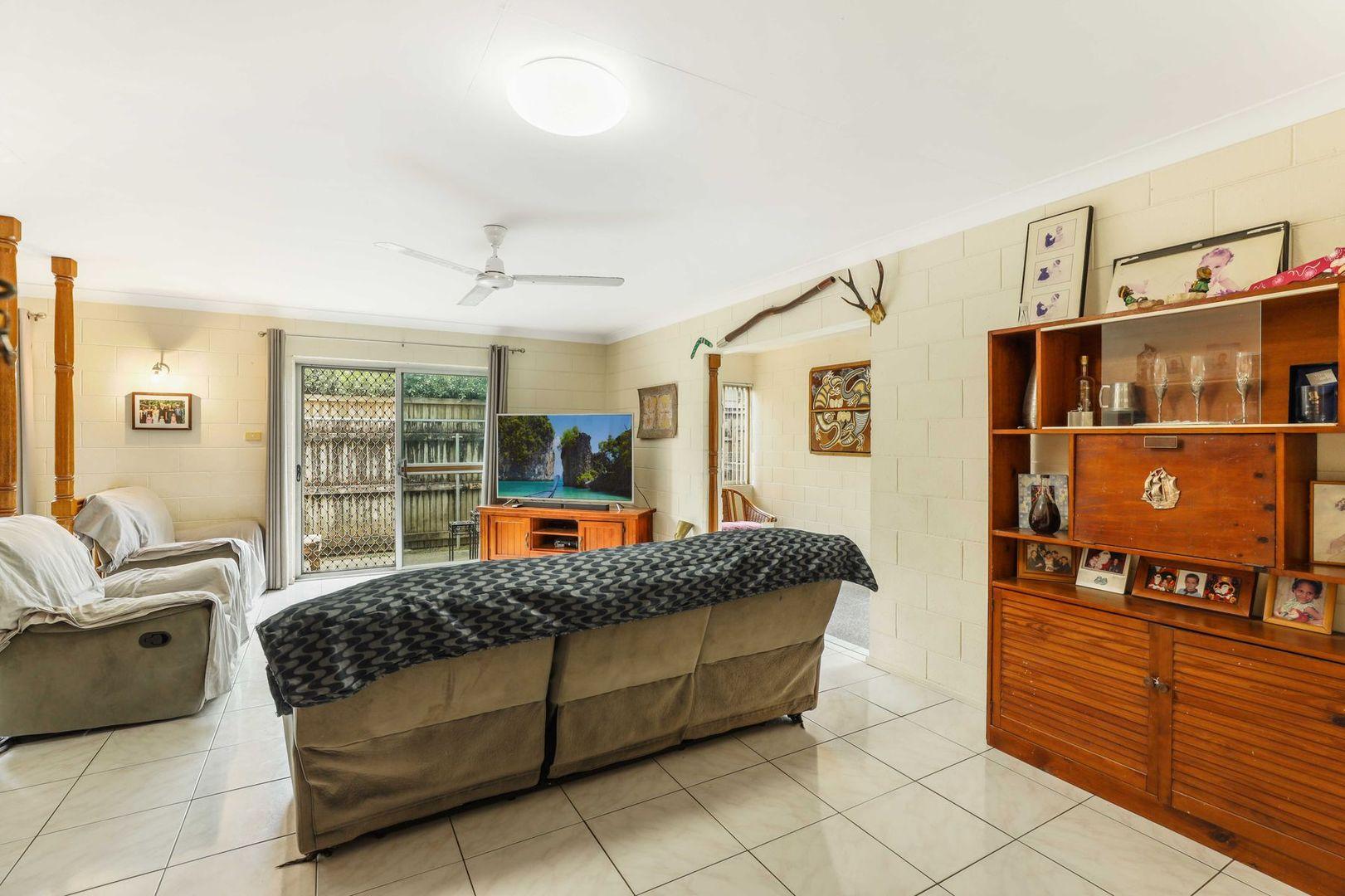 316 McCoombe Street, Mooroobool QLD 4870, Image 2