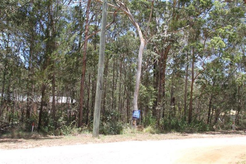 24 Bradman St, Russell Island QLD 4184, Image 0