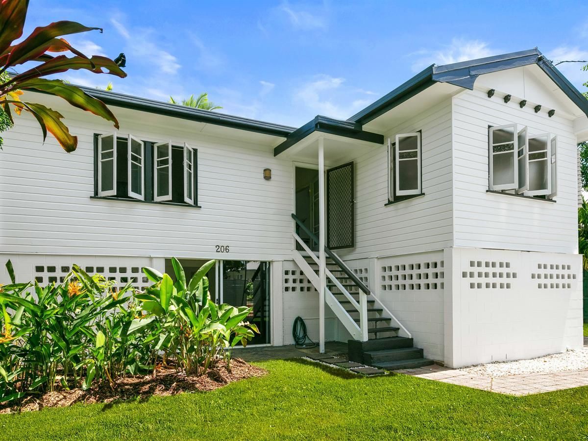 206 Woodward St, Whitfield QLD 4870, Image 1