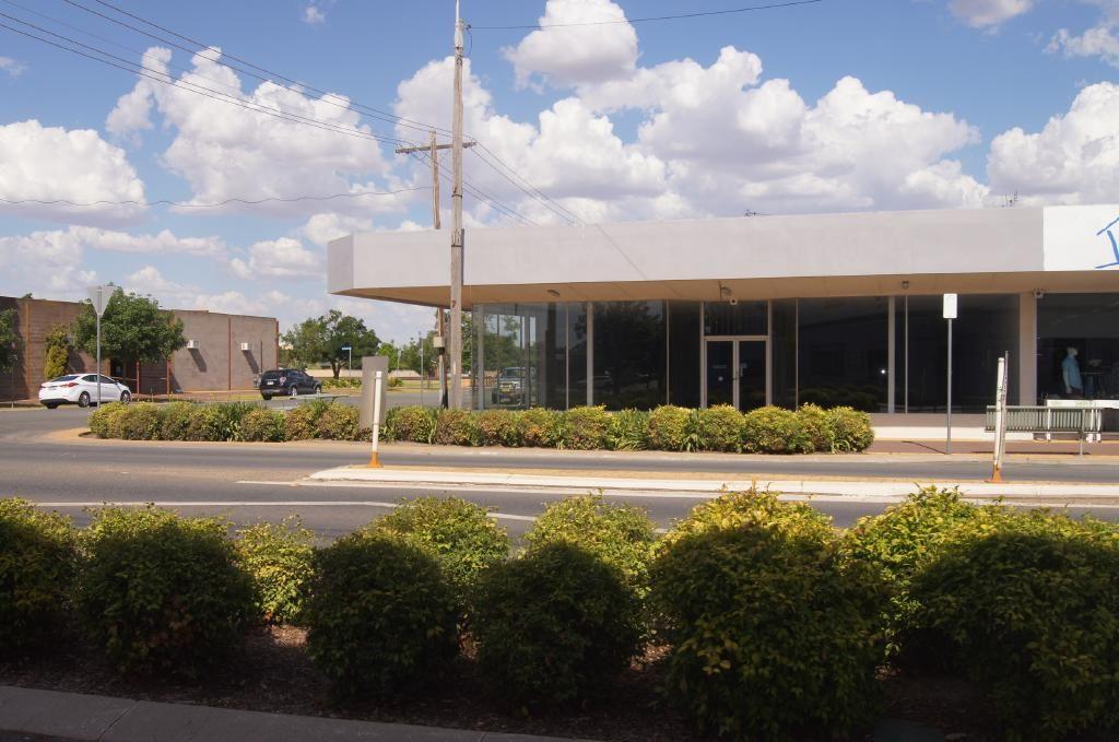 146-148 Murray Street, Finley NSW 2713, Image 2