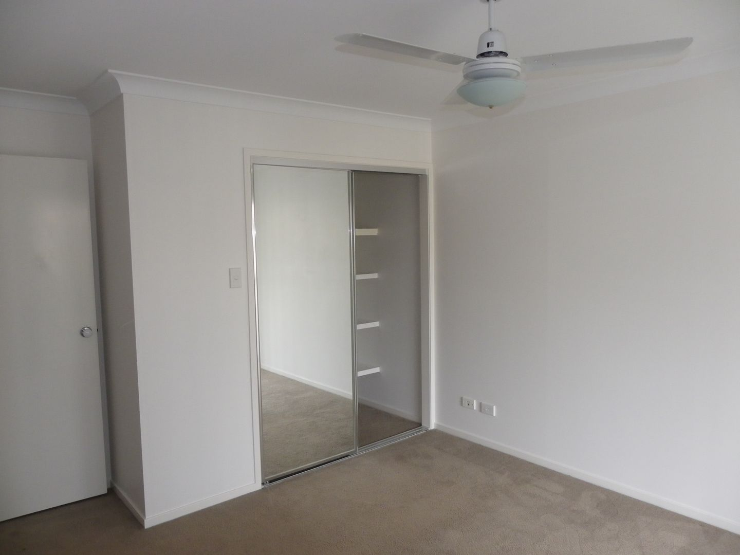 WY/99 Peverell Street, Hillcrest QLD 4118, Image 2
