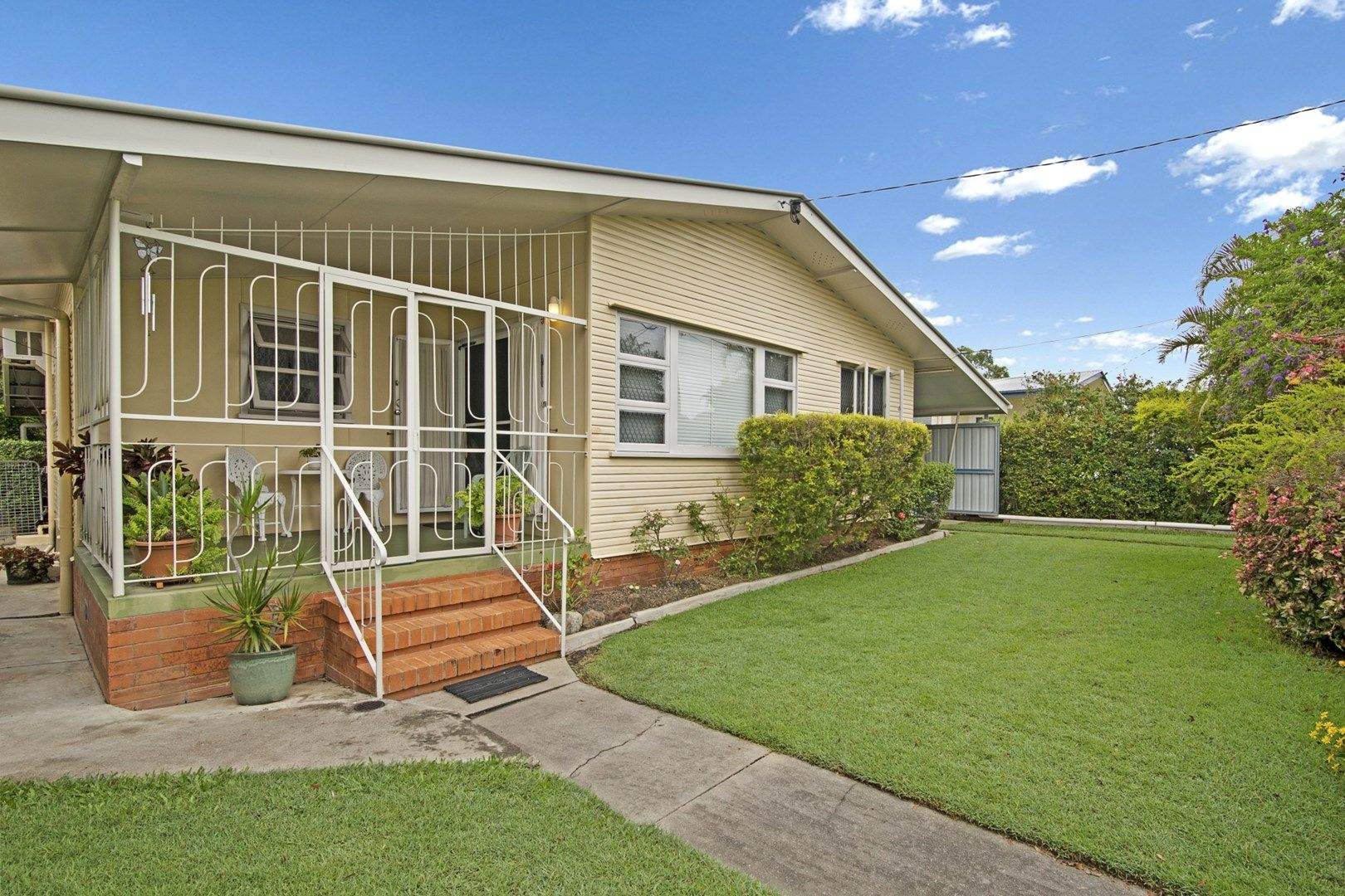 45 Vivian Street, Eastern Heights QLD 4305