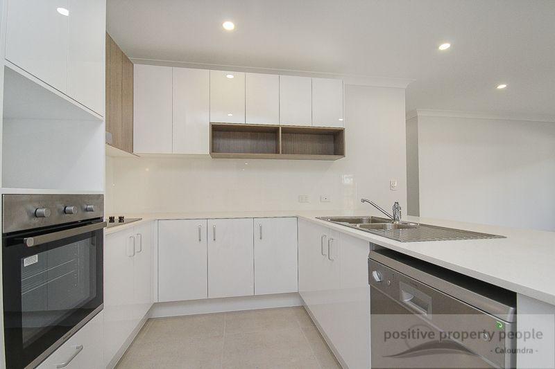 7 Newton Place, Caloundra West QLD 4551, Image 2