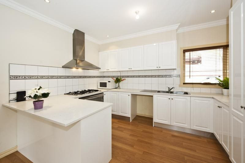 2/16 South Crescent, Heidelberg West VIC 3081, Image 1