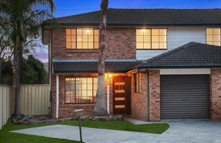 Picture of 2/15 Lisa Close, Bateau Bay NSW 2261