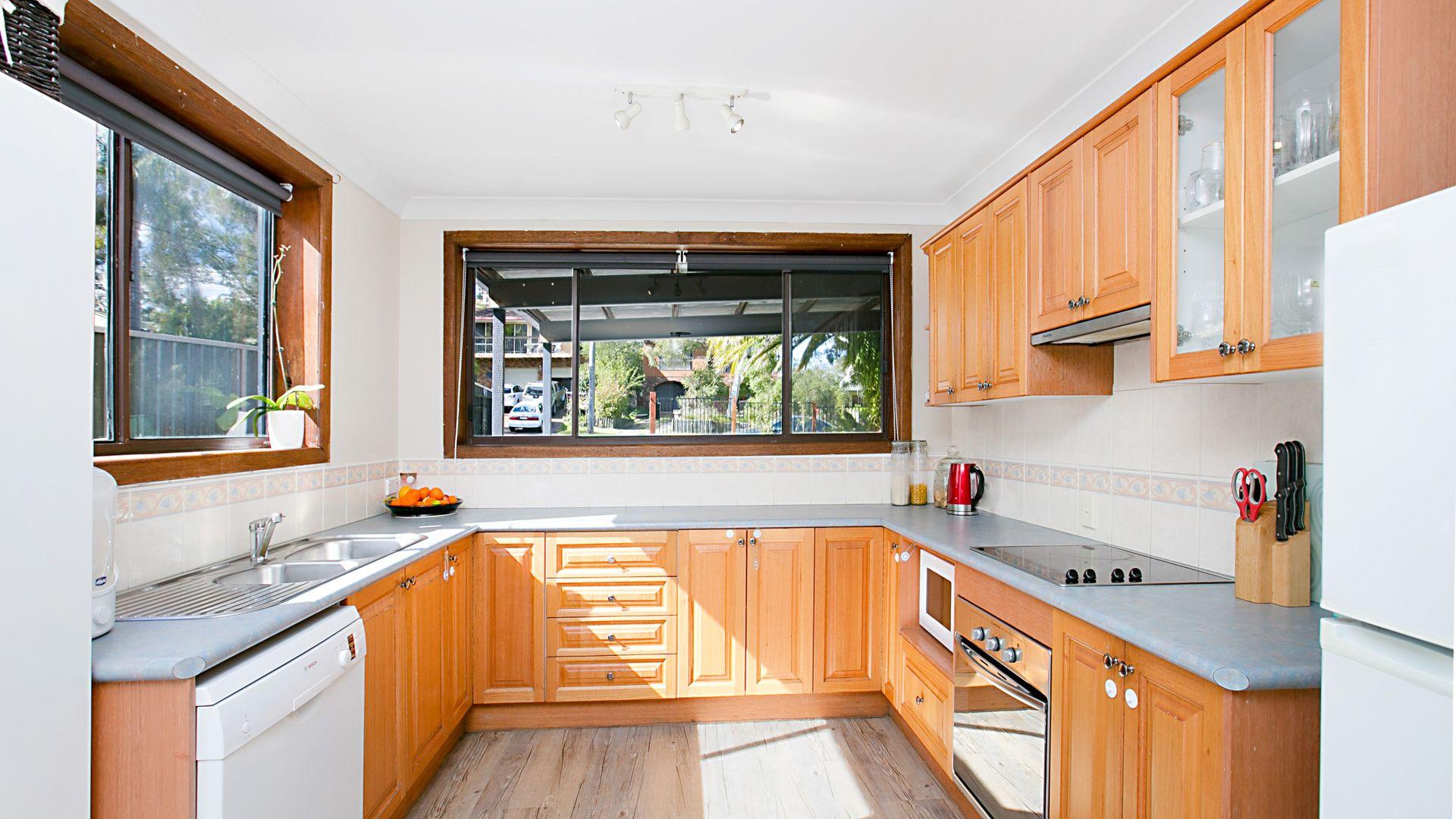 16 Dianne Avenue, Lake Munmorah NSW 2259, Image 2