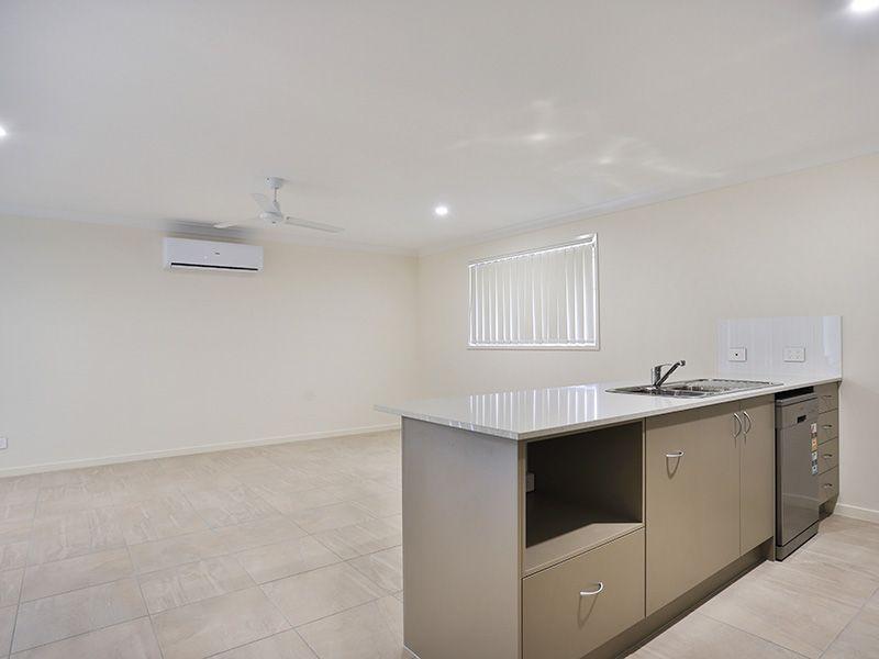 16 Crewes Crescent, Redbank Plains QLD 4301, Image 2