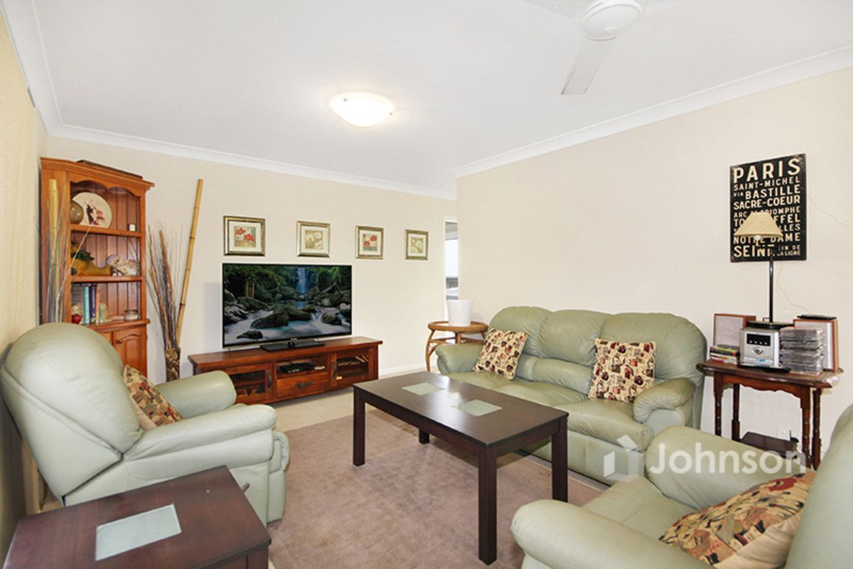 4 Woodview Court, Jimboomba QLD 4280, Image 2