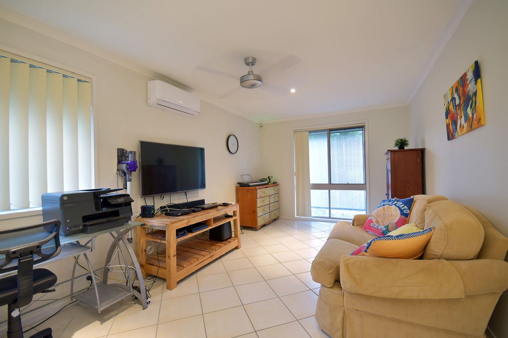 6 Armstrong Way, Highland Park QLD 4211, Image 0