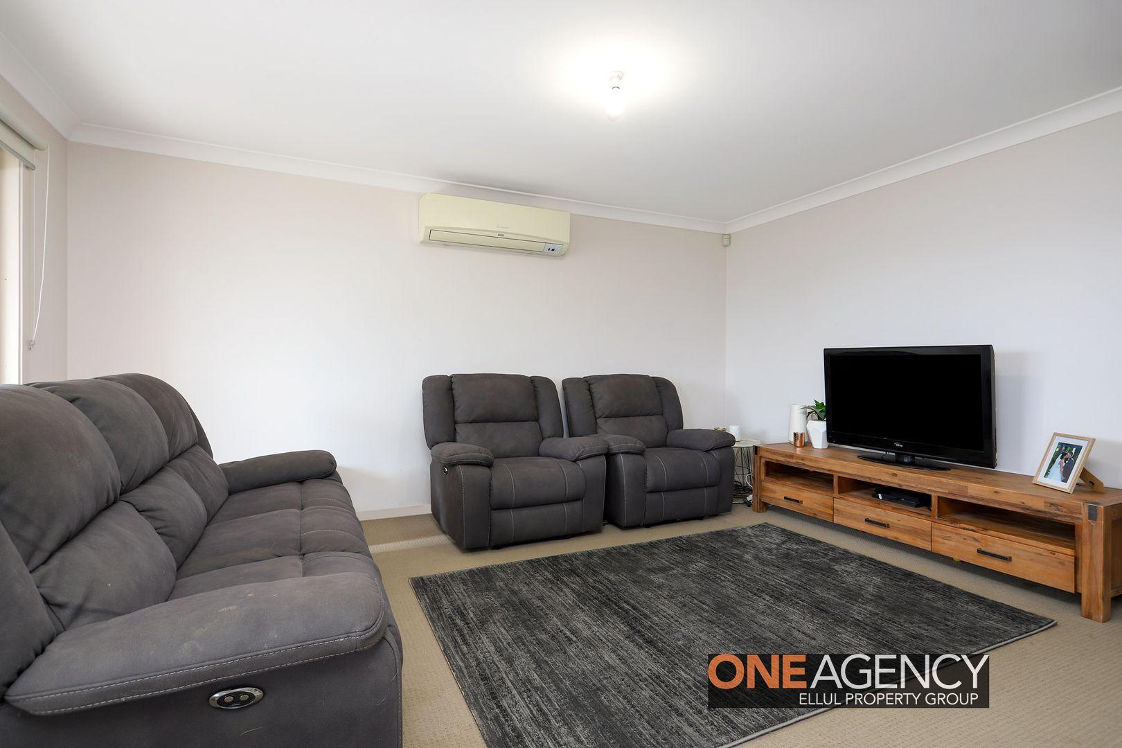 23 Blue View Terrace, Glenmore Park NSW 2745, Image 2