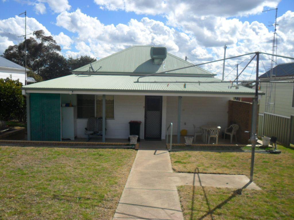62 East, Harden NSW 2587, Image 1