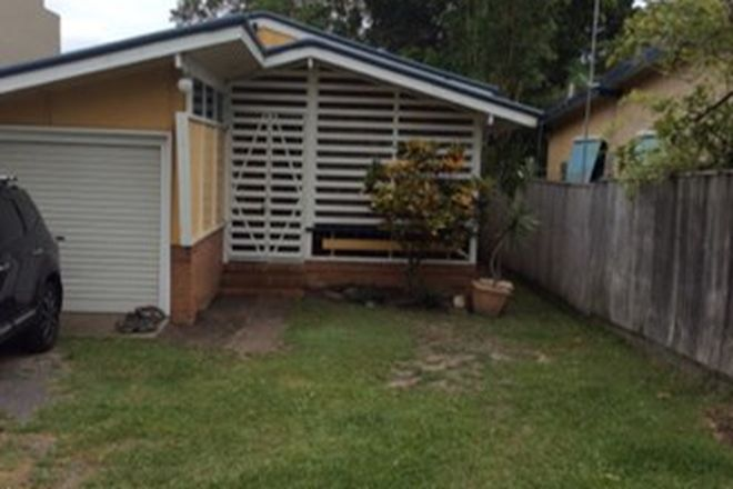Picture of 43 Roderick Street, MOFFAT BEACH QLD 4551