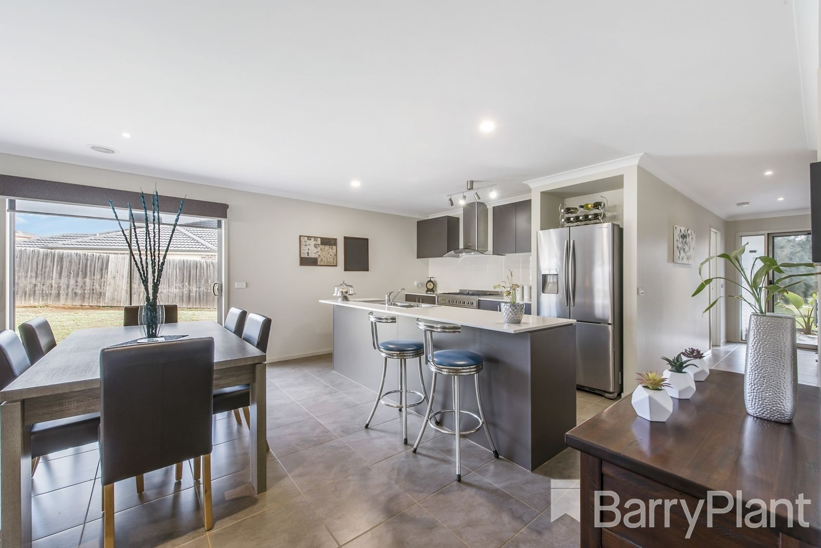 4 She Oak Court, Harkness VIC 3337, Image 2
