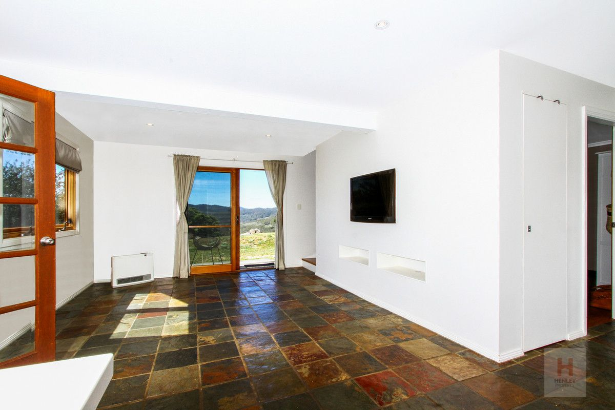89 Riverview Court, Jindabyne NSW 2627, Image 2