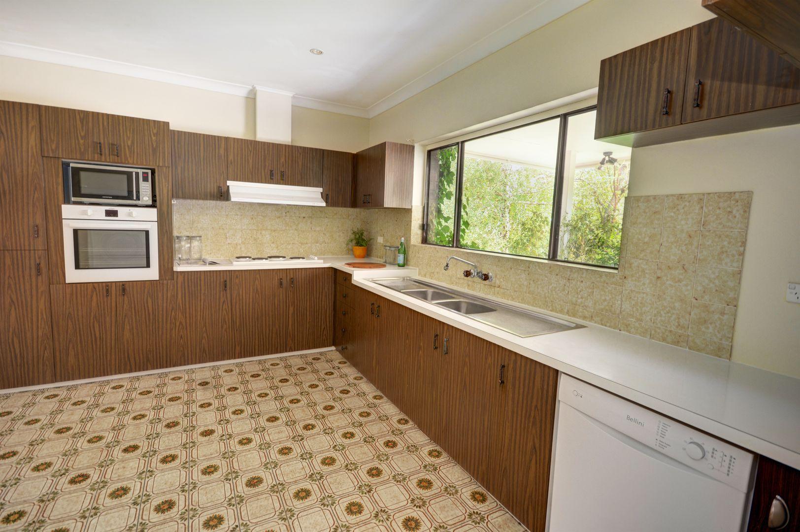 39 Bundarra Street, Blackheath NSW 2785, Image 2
