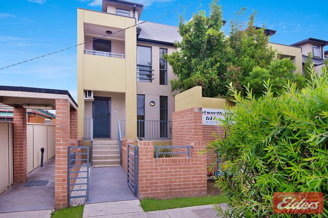 Picture of 1/517-521 Wentworth Avenue, TOONGABBIE NSW 2146
