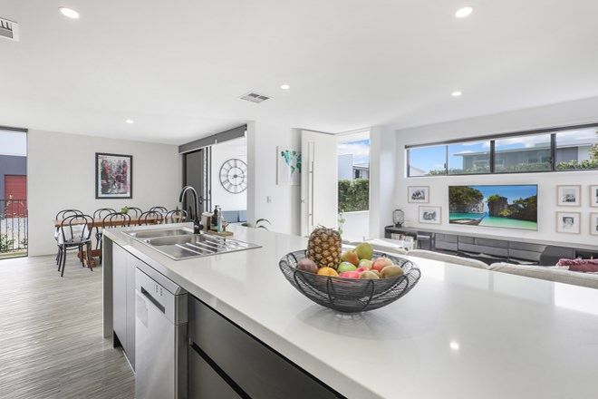 Picture of 27 Fraser Avenue, MAROOCHYDORE QLD 4558