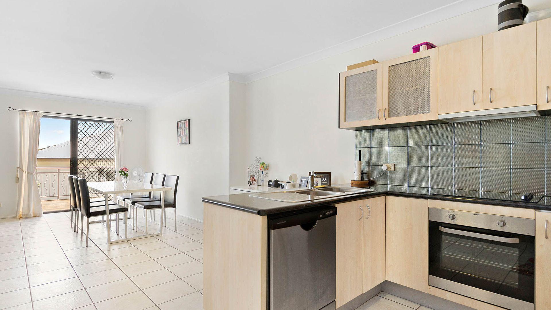 2/9 Burnaby Terrace, Gordon Park QLD 4031, Image 2