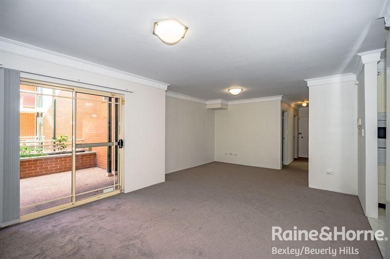 2/16-20 Winchester Street, Carlton NSW 2218, Image 2