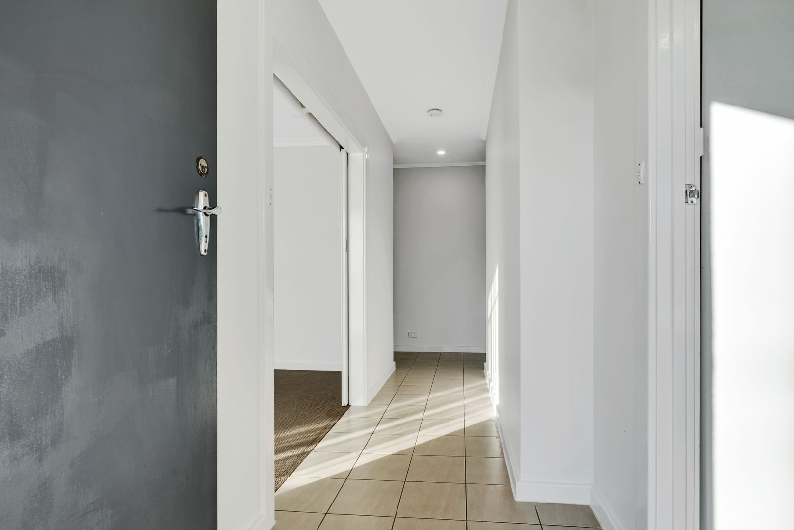 4 Clive Street, Morphett Vale SA 5162, Image 2