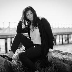 Jenny Fink, Director