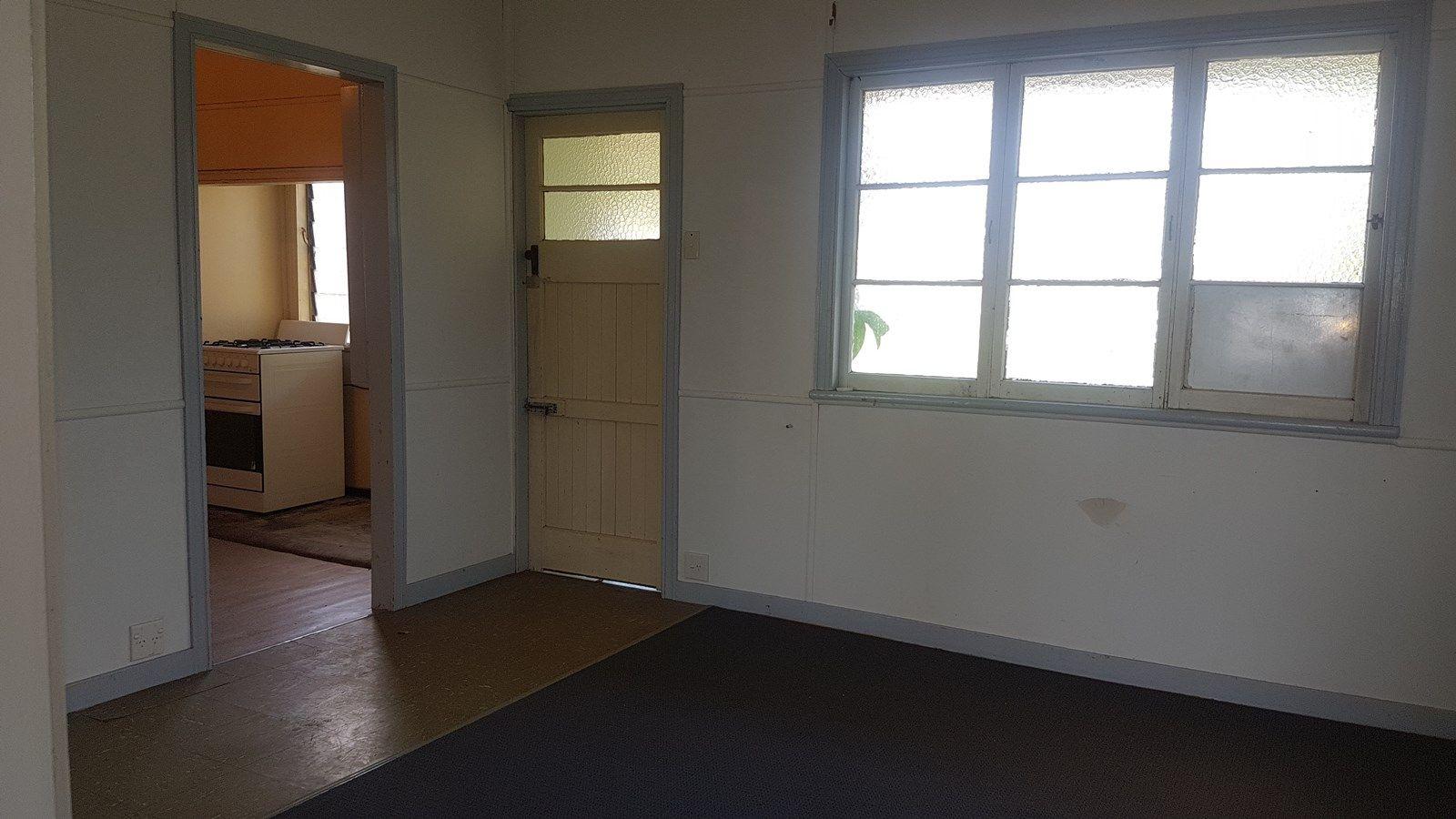 44 Dee St, Mount Morgan QLD 4714, Image 2