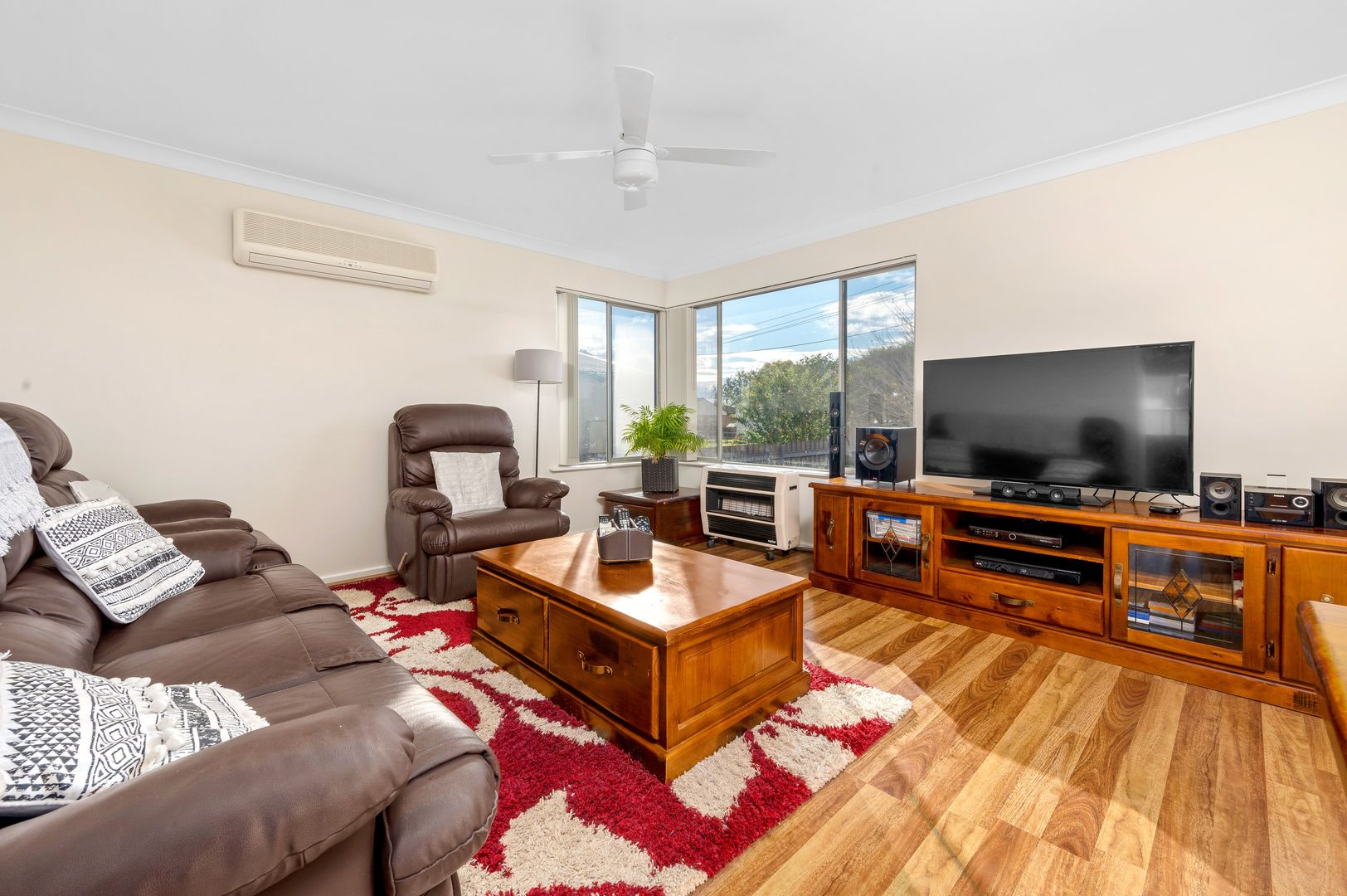 33 Moore Street, Cessnock NSW 2325, Image 2