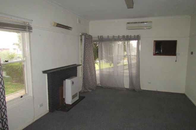 Picture of 44 Molyneaux Street, WARRACKNABEAL VIC 3393