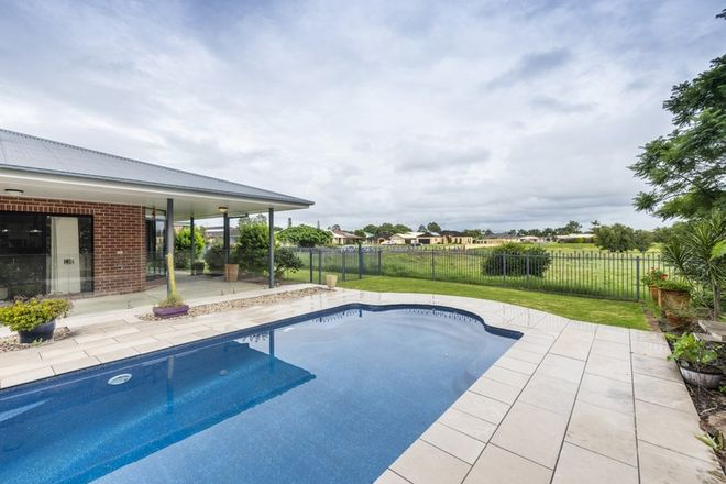 Picture of 25 North Meadow Drive, GRAFTON NSW 2460