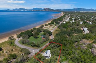 Picture of 1 The Esplanade, Pallarenda QLD 4810