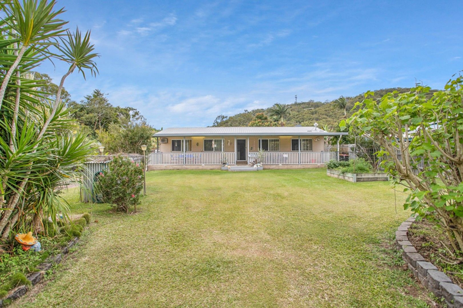 8 Kataryn Avenue, Grasstree Beach QLD 4740, Image 0